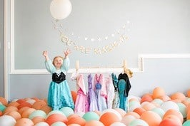 balloons little adventure dress up