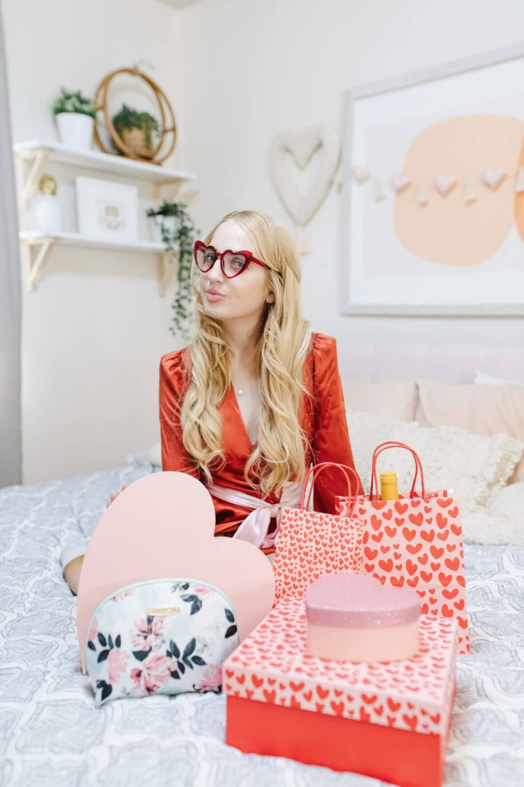 Valentine's Day Gift Ideas To Make Any Gal Feel Loved
