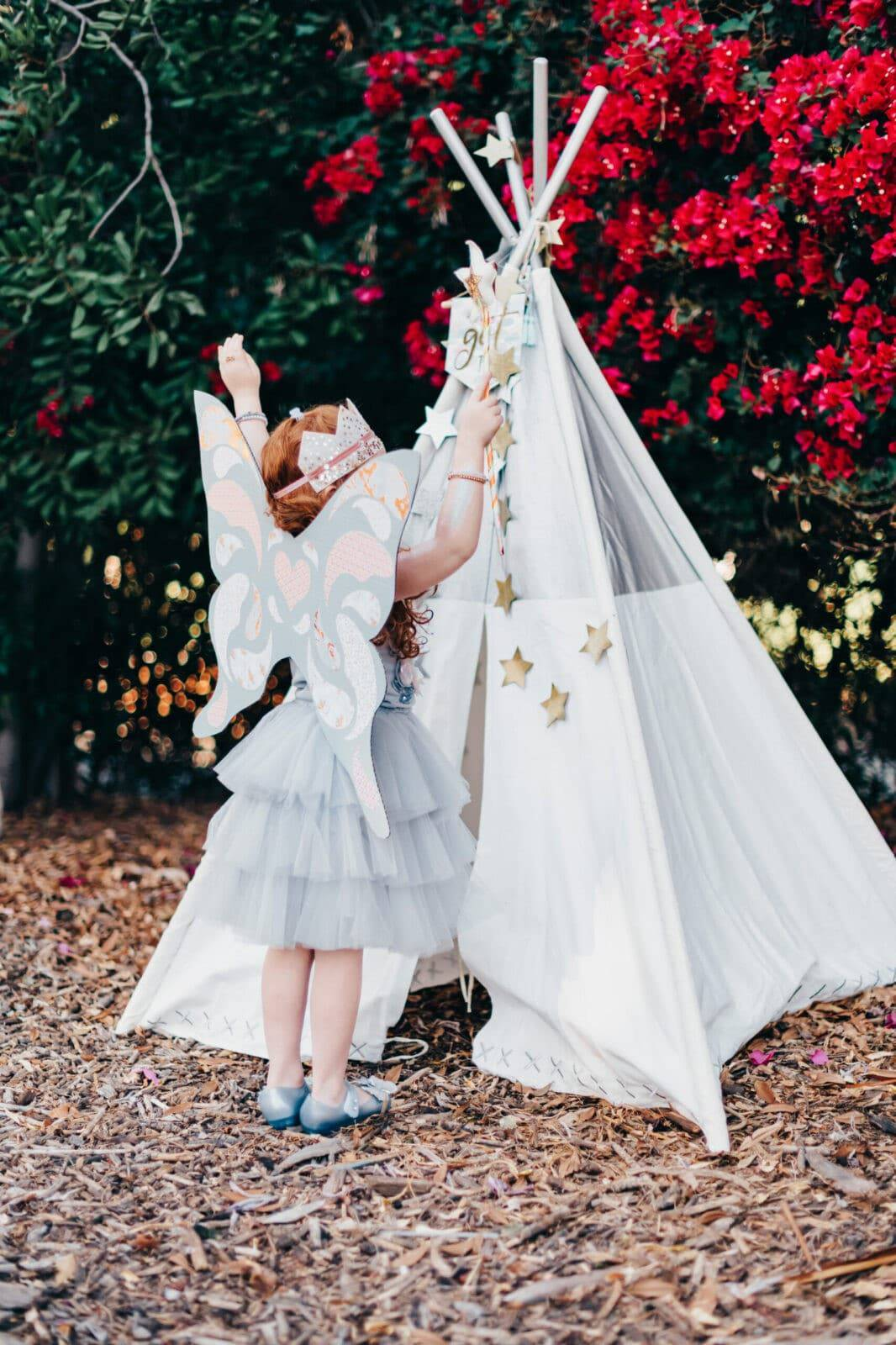 DIY fairy wings from cardboard boxes